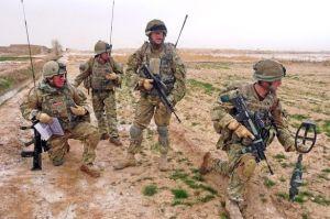 RMC utilizando el sistema de comunicaciones avanzado en Afghanistan