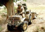 Miembro del 30 commando en desplazamiento cerca de la provincia de Helmand