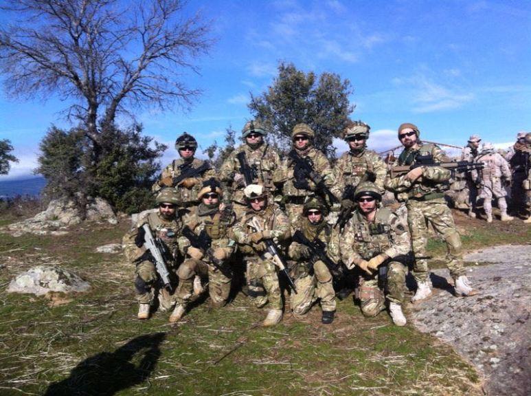 En algunas ocasiones, la unidad ha formado parte de secciones mayores como un pelotón gracias a la Escuadra Madagascar que recrea al 40th Commando en Madrid