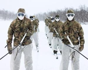 Reservistas de los RMC en su entrenamiento de guerra Ártica en Noruega