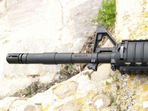 El cañón, además de tener un acabado perfecto, también incluye los marcajes del modelo original.